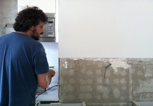 Eli : suelo nuevo, cocina montada!