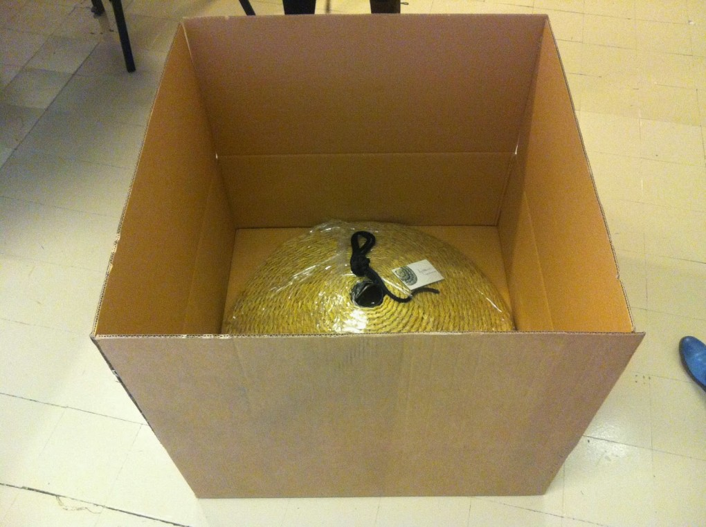 Chapeâu tiene caja!